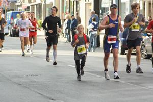 Köln-Marathon-2010; Kleine Läufer verbrauchen mehr Energie